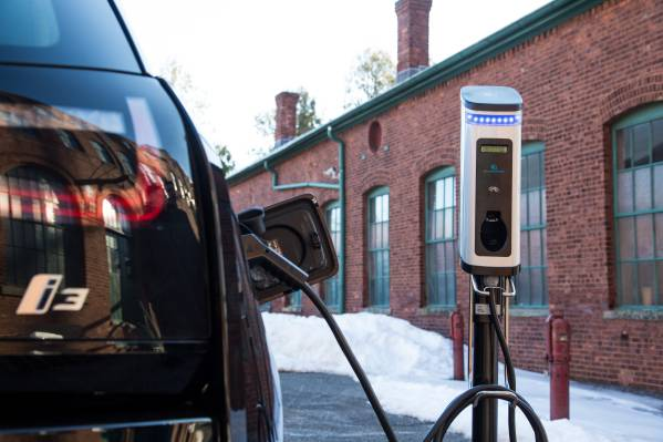 Bmw Of North America Partners With The National Park Foundation National Park Service And Department Of Energy To Install Up To 100 Electric Vehicle Charging Stations In And Around America S National Parks