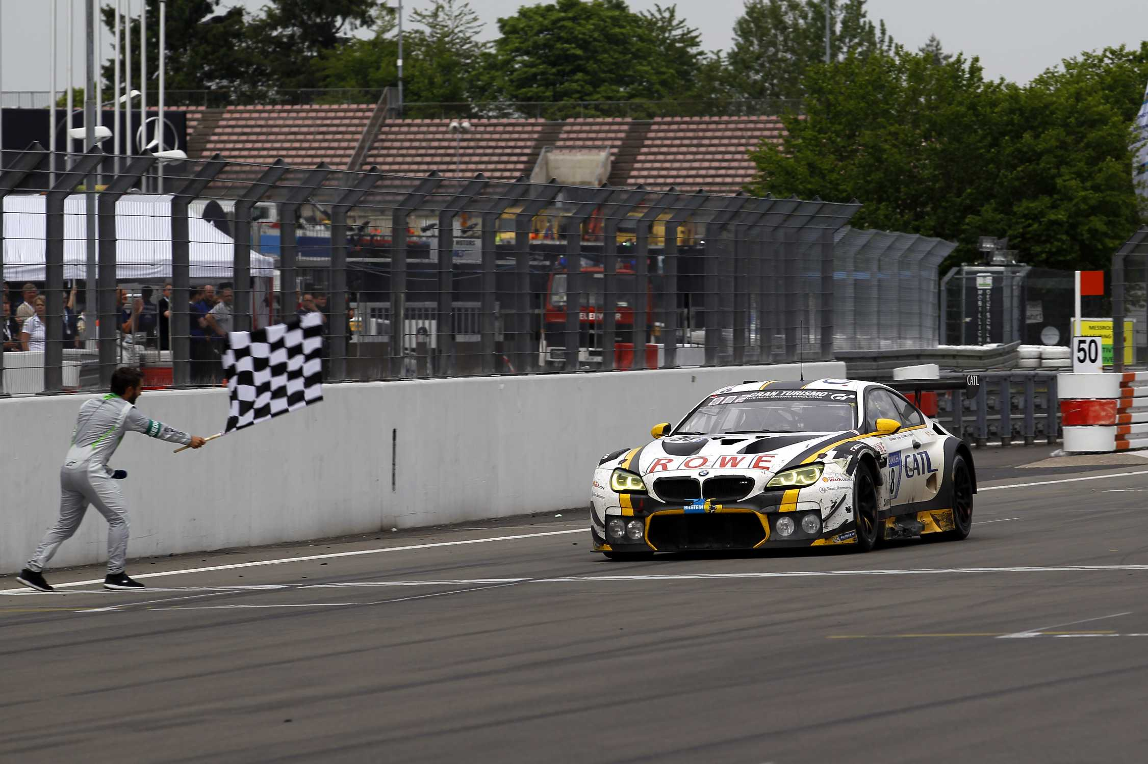 Dramatic 24-hour finale in the rain: ROWE Racing secures ...