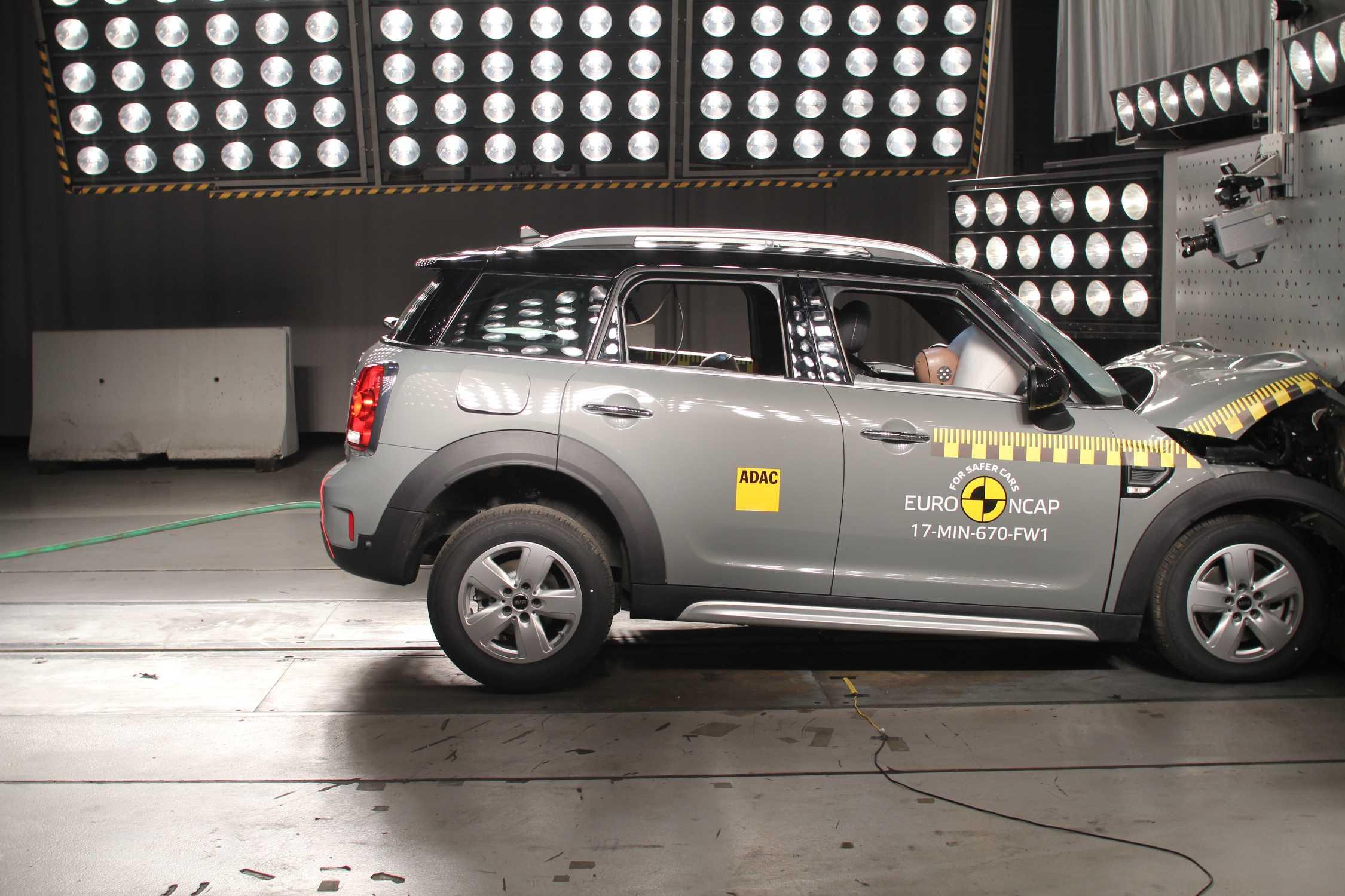 New Mini Countryman Achieves Top 5 Star Rating In Euro Ncap Crash Test