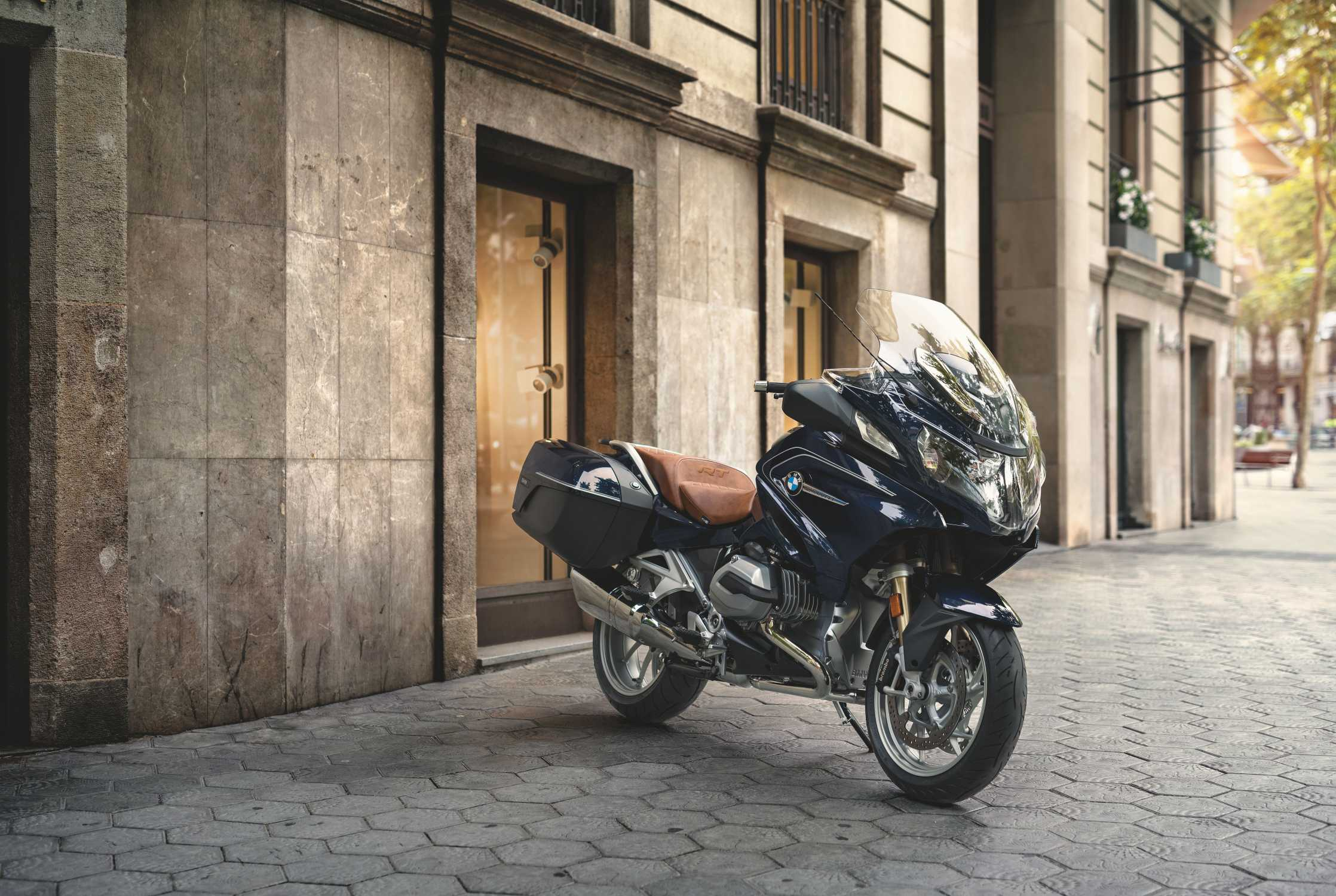 Bmw R 1200 Rt In Special Paint Finish Blueplanet Metallic With