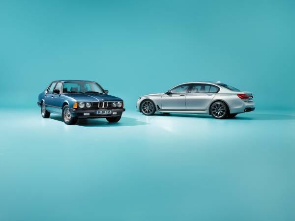 The BMW 7 Series Edition 40 Jahre and the first BMW 7 Series from 1977 (07/2017).