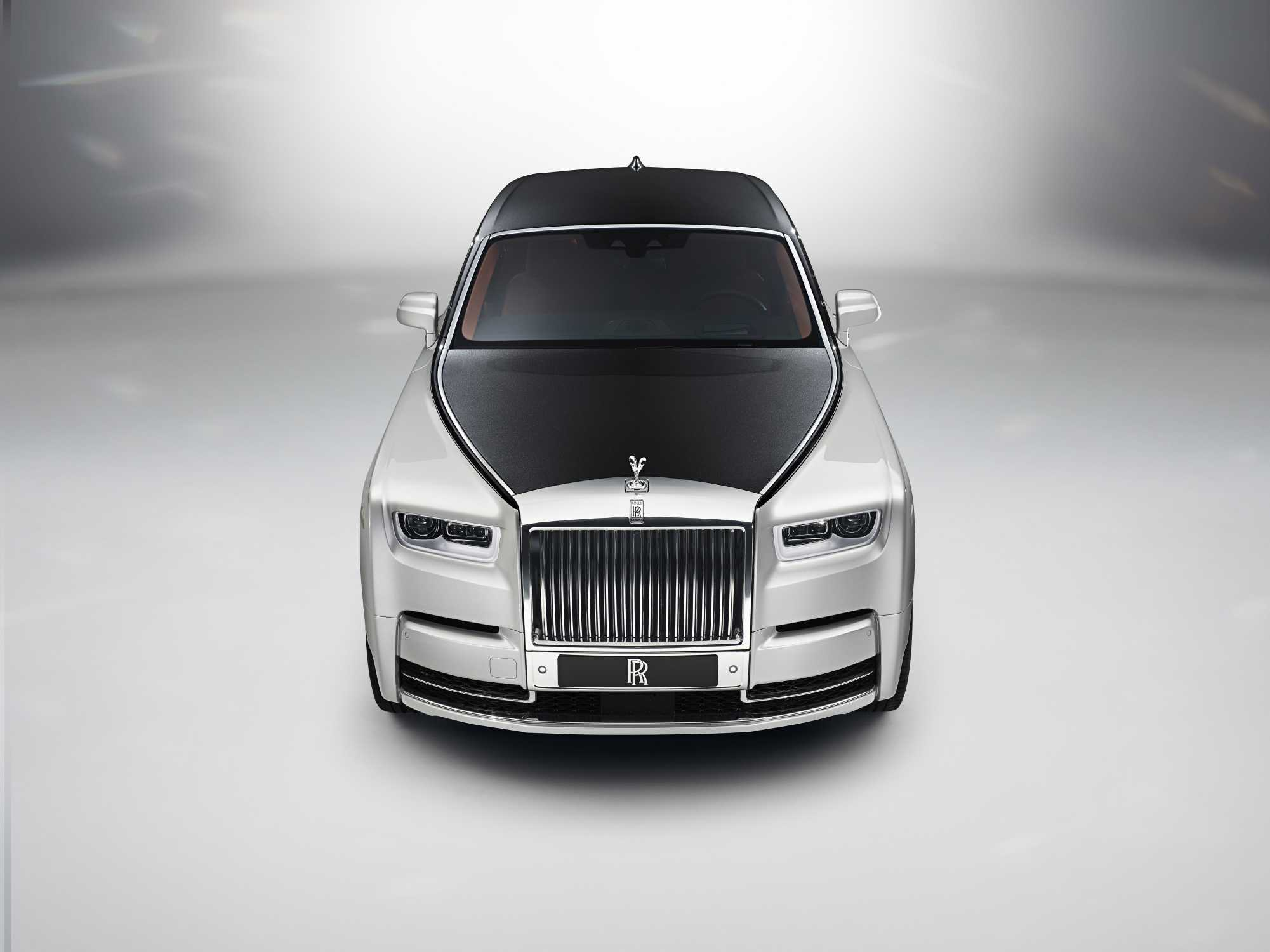 Rolls Royce Phantom Named Luxury Car Of The Year