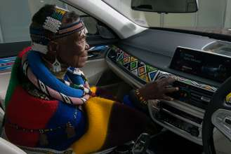 The BMW 7 Series Individual by Esther Mahlangu now in South Africa (08/2017)