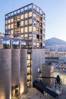 BMW South Africa partners with ZEITZ MOCAA, the world's largest museum dedicated to contemporary art from Africa and its diaspora. (09/2017)