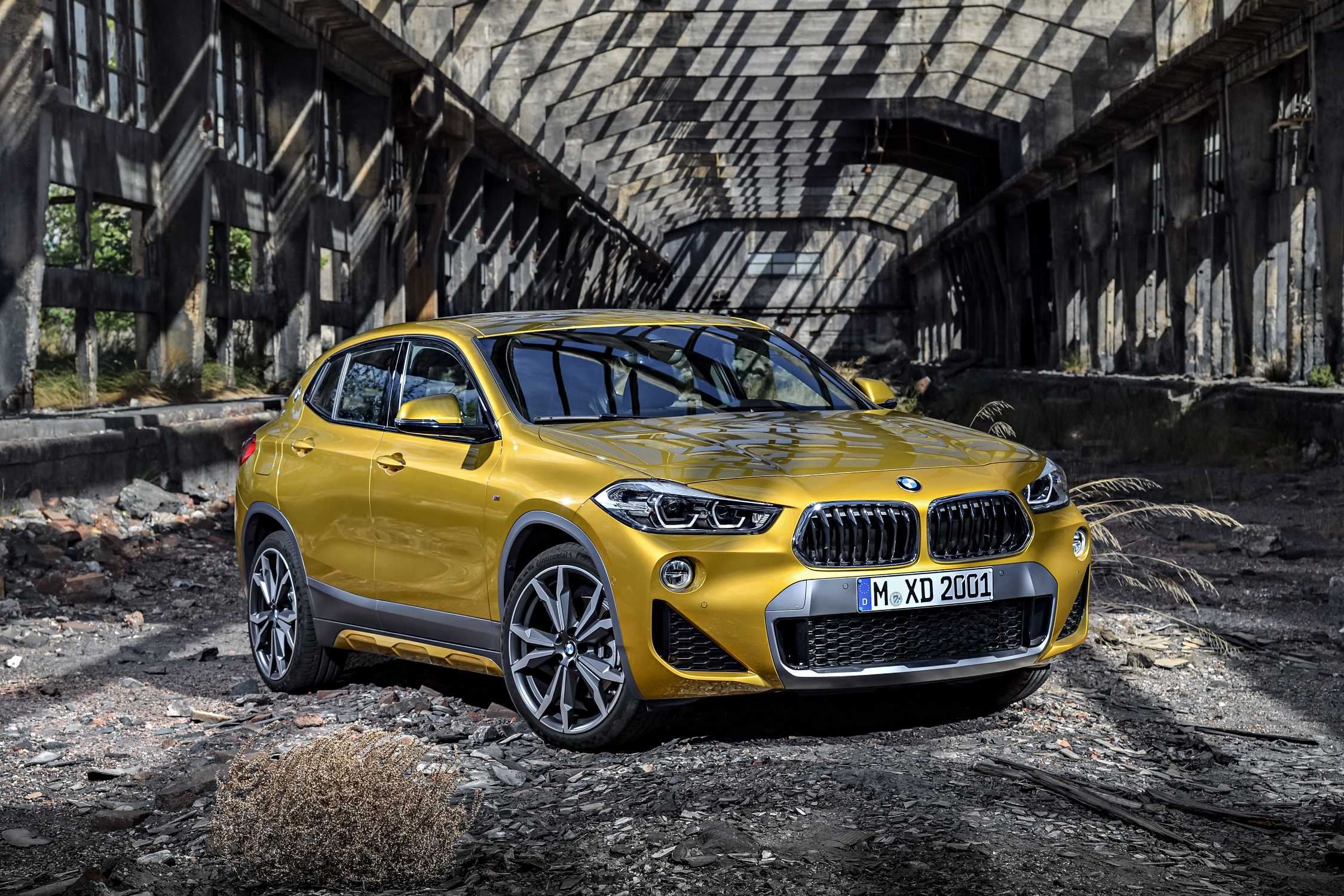the new bmw x2 exciting looks sparkling dynamics. Black Bedroom Furniture Sets. Home Design Ideas