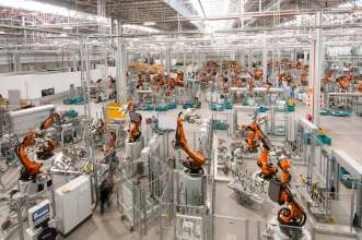 Technology improvements at the BMW Plant Rosslyn Bodyshop includes a 50% increase in the number of robots. (09/2017)