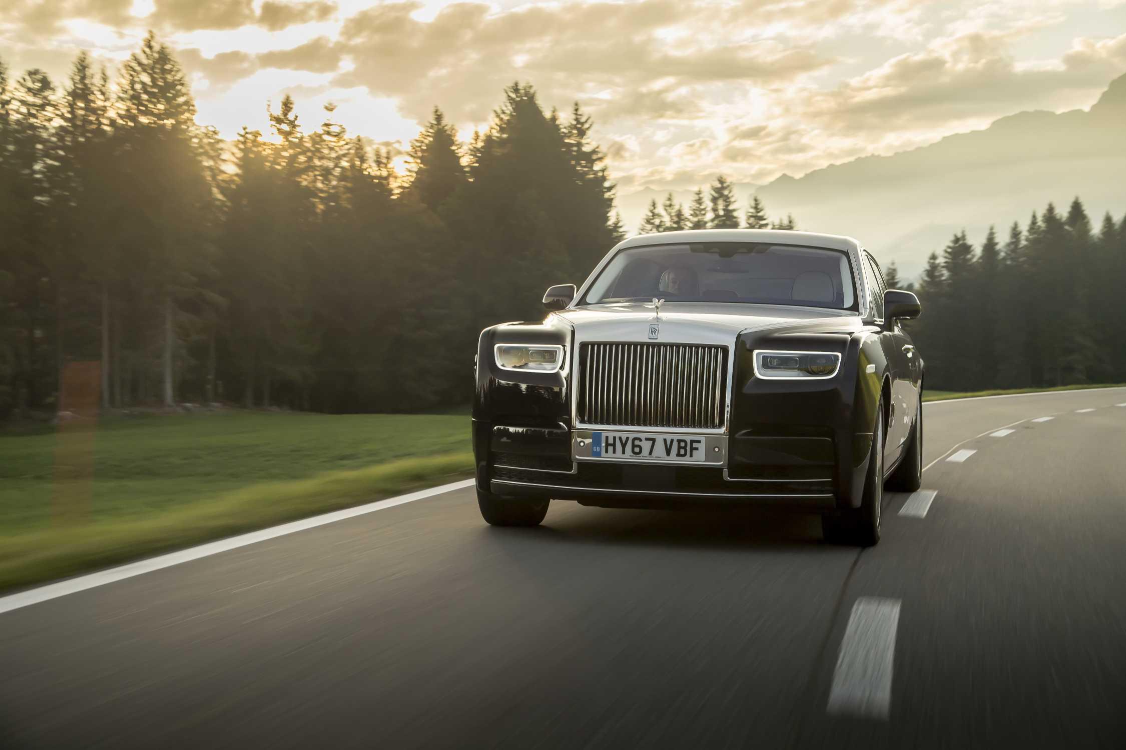 NEW ROLLS ROYCE PHANTOM NAMED BEST LUXURY CAR IN UK CAR OF THE