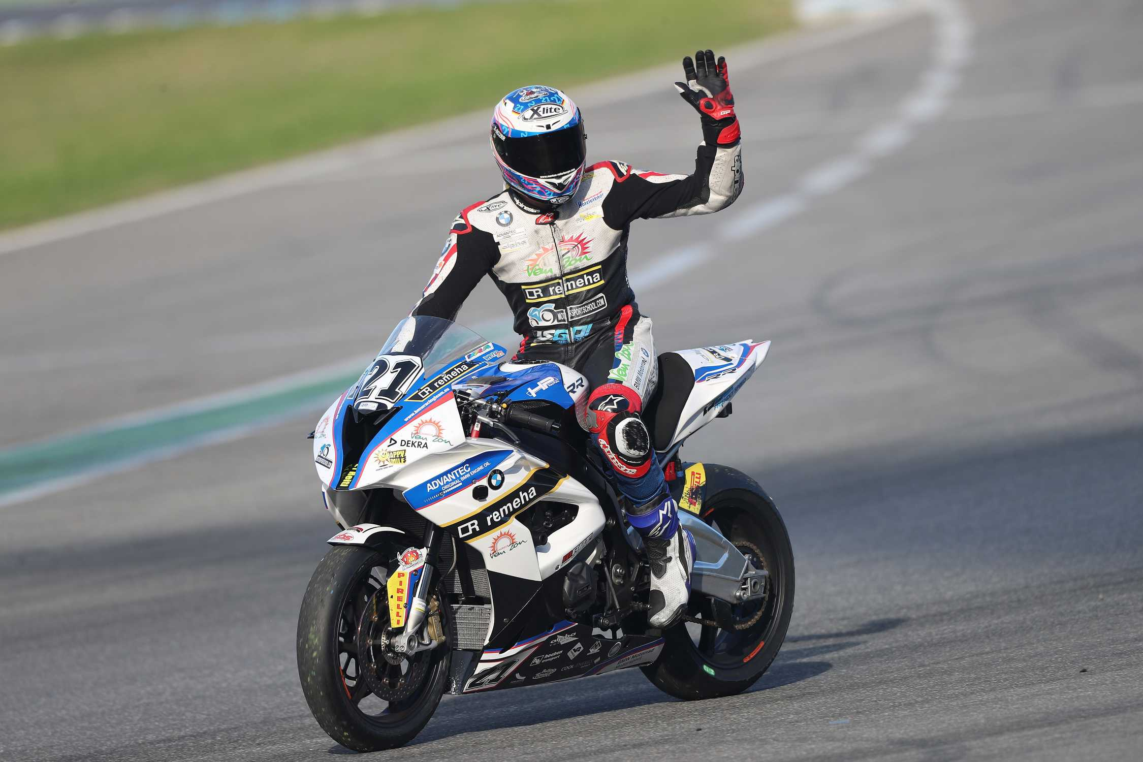 Bmw riders markus reiterberger and carmelo morales for World wide motors carmel