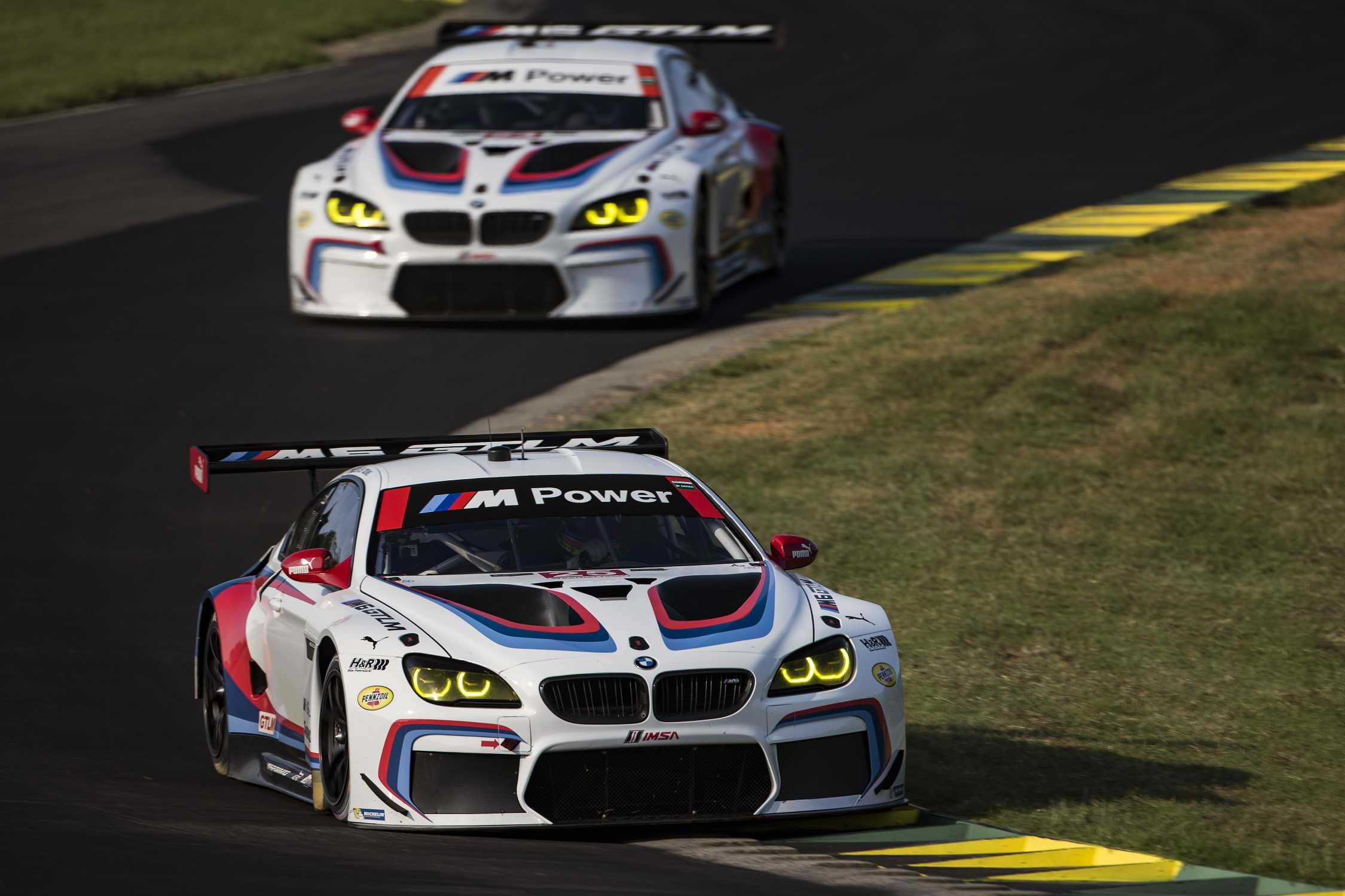 bmw team rll carries winning momentum to petit le mans. Black Bedroom Furniture Sets. Home Design Ideas