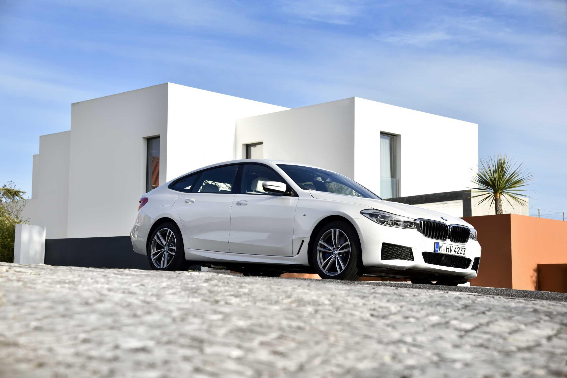 BMW 6 Series Gran Turismo, 640i xDrive, Mineral White ...