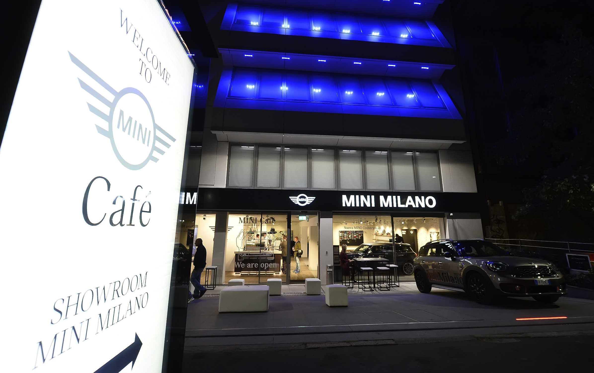 Inaugurato il nuovo MINI Cafè nella moderna sede di BMW ...