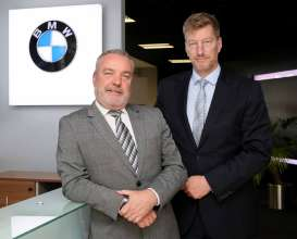 Oliver Tattan (right) joins board of management at BMW Finacial Services as a Non-Executive Director. Pictured with Brian Merrigan, Managing Director, BMW Financial Services Ireland (10/2017)
