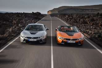 The new BMW i8 Roadster and the new BMW i8 Coupe. (11/2017)