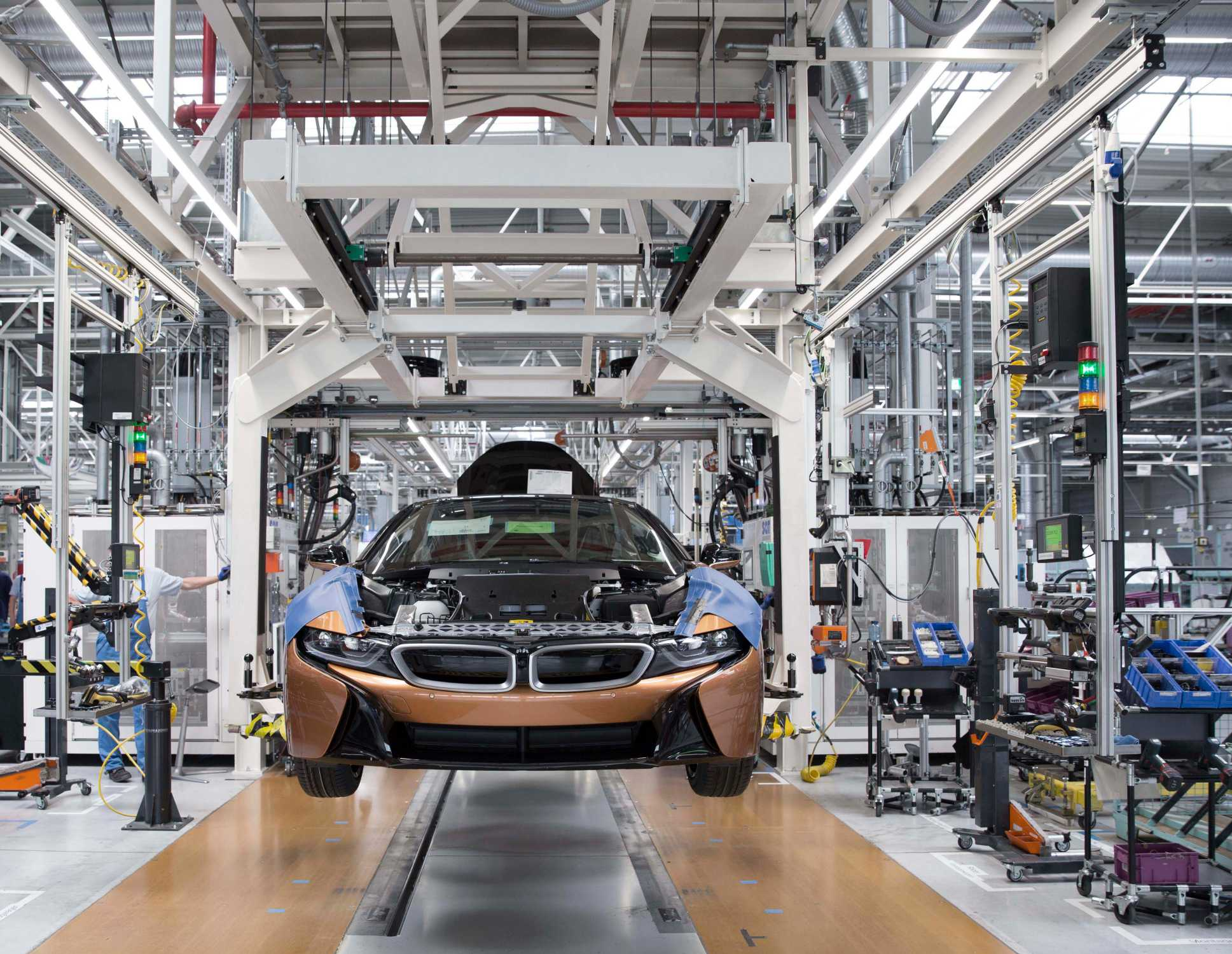 P Production Of Bmw I Roadster At Bmw Group Plant Leipzig Px on Bmw I8