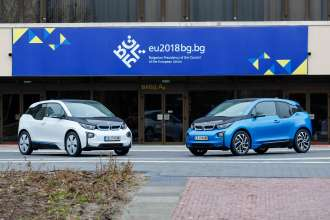 BMW Group Bulgaria provides two electric BMW i3 vehicles to the Bulgarian EU Presidency. Contract signing and vehicle hand over with the participation of Minister Lilyana Pavlova and BMW Group Bulgaria General Manager Mr. Alexander Milanov (03/2018)