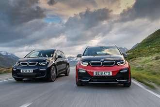 BMW celebrates 10,000 BMW i3 sales in the UK.