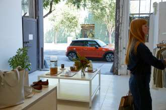 MINI Pop-up show room visits Bulgaria to demonstrate MINI brand values (04/2018)