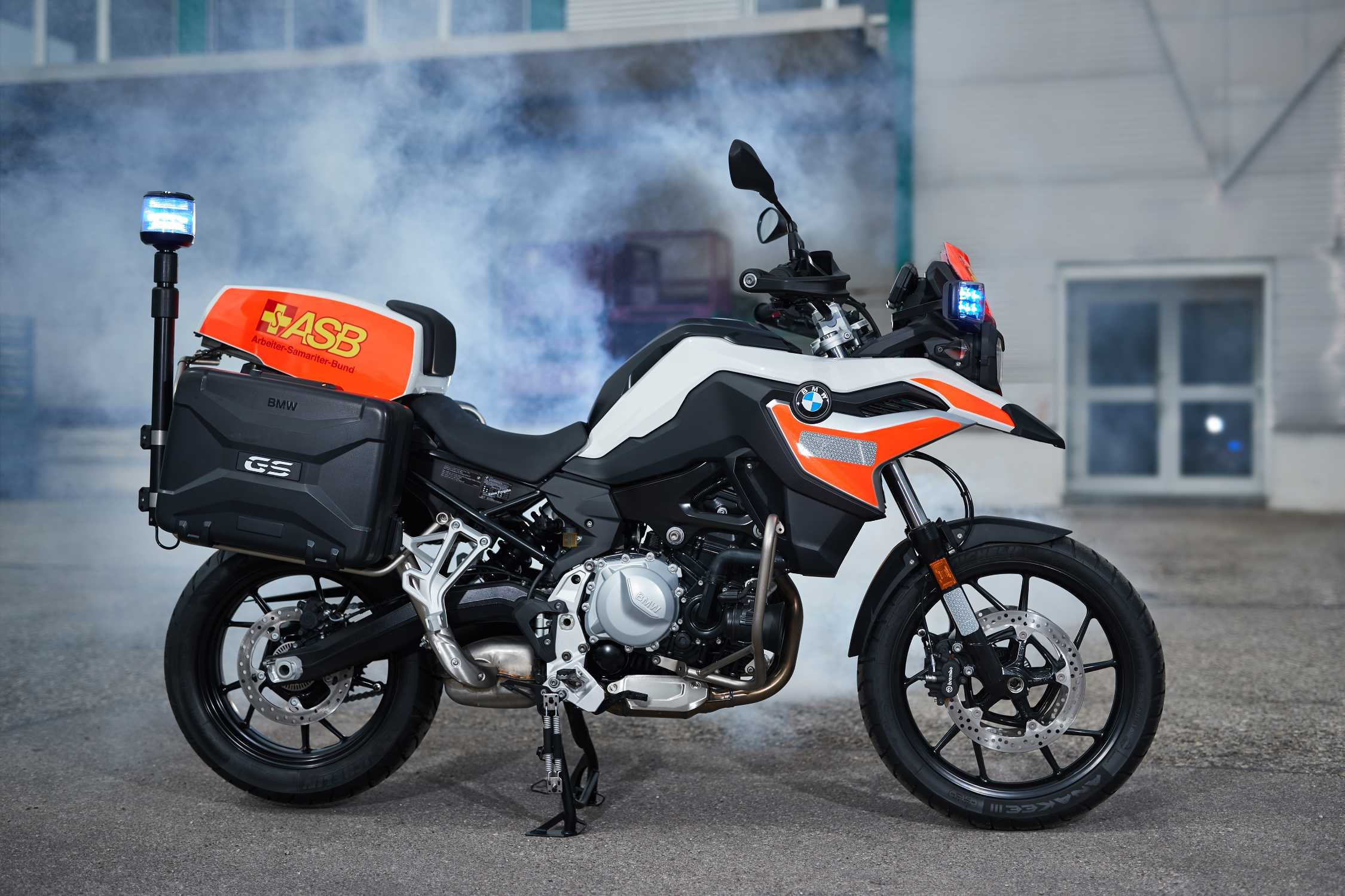 the bmw f 750 gs for emergency services 05 2018. Black Bedroom Furniture Sets. Home Design Ideas