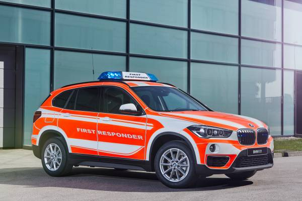 The BMW X1 xDrive20d for operations management (05/2018).