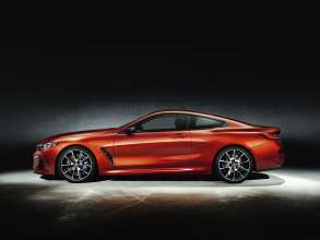 The all-new BMW 8 Series Coupe with optional carbon package (06/2018).