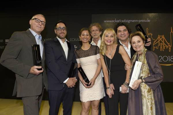 ECKART 2018 award ceremony presented by BMW Group on June 14th 2018 in the Spring Studios in New York City. Marcel Van Ooyen, Christopher Kostow, Suzanne Cupps, Günter Seeger, Astrid Gutsche, Gastón Acurio, Alice Waters. (06/2018)