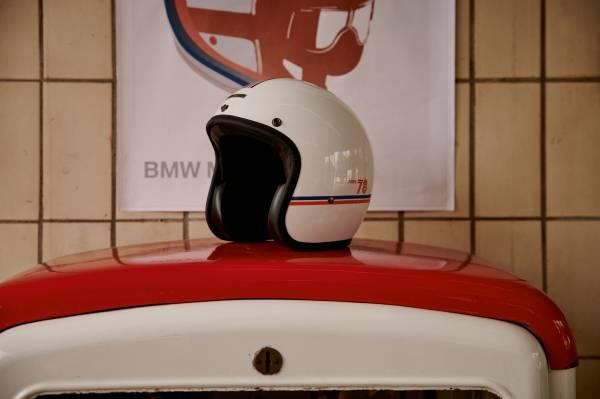 "BMW Motorrad ""40 Years Collection"". ""40 Years"" jet helmet. (07/2018)"