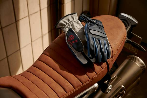 """BMW Motorrad """"40 Years Collection"""". """"40 Years"""" gloves. (07/2018)"""