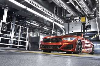 The new BMW 8 Series Coupé on the test bench at BMW Group Plant Dingolfing (07/2018)