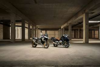 BMW R 1250 GS HP and R 1250 RT, Blueplanet metallic (09/2018)