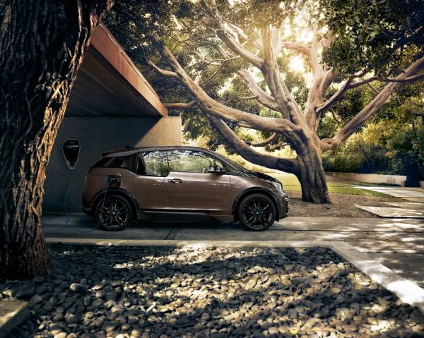 The new BMW i3 (120 Ah) (09/2018).