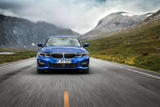 "The all-new BMW 3 Series Sedan, Model M Sport, Portimao blue metallic, Rim 19"" Styling 791 M (10/2018)."