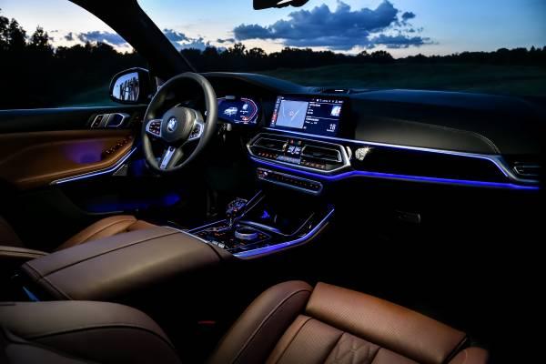 The new BMW X5 xDrive40i xLine. (09/2018)