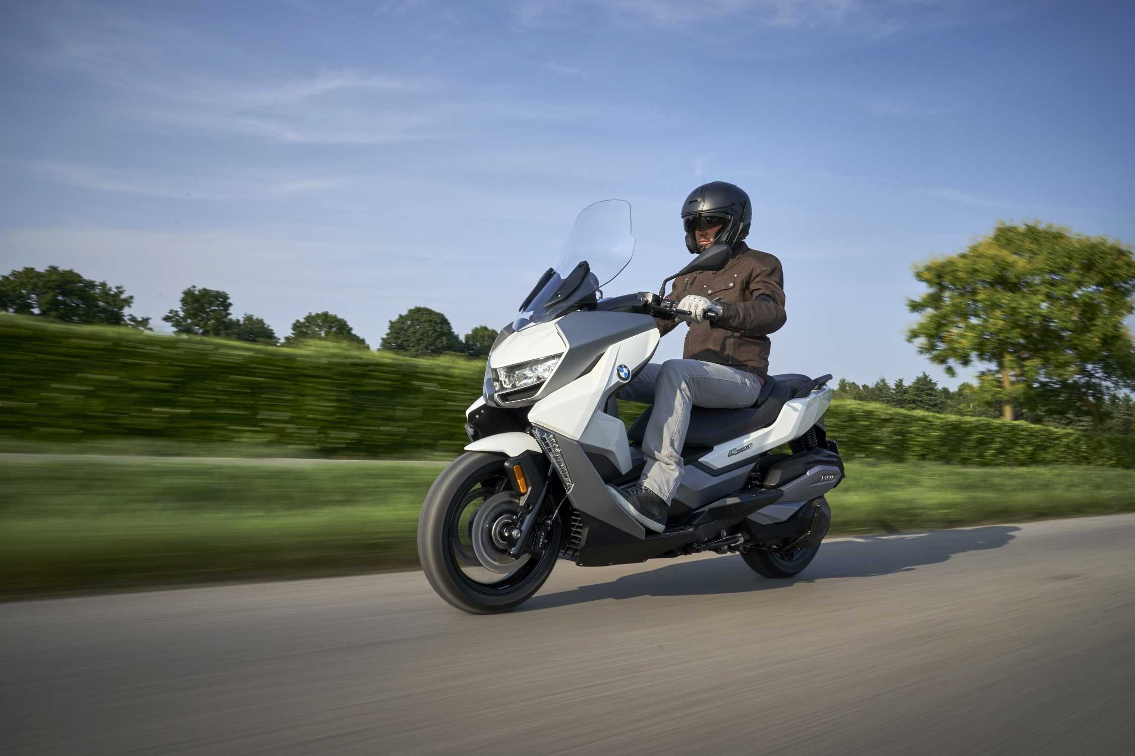 The new BMW C 400 GT