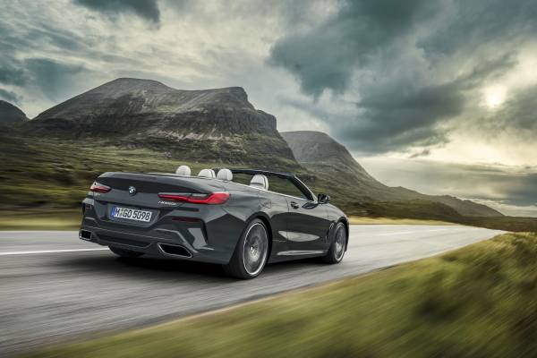 "The new BMW 8 Series Convertible in colour Dravit Grey metallic and 20 "" M wheels Multi-spoke 729 M Bicolour (11/2018)."