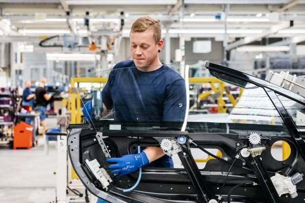 3D printed window guide rail BMW i8 Roadster (11/2018)
