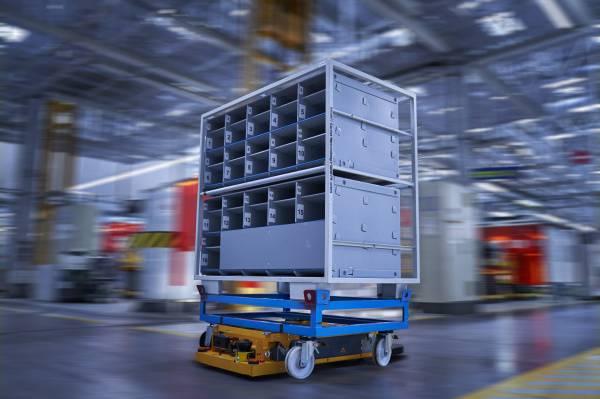 Smart Transport Robot at BMW Group Plant Regensburg (11/2018)