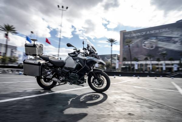 BMW Group @ CES 2019 – Self-Riding BMW R 1200 GS (01/2019)