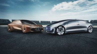 The BMW Group and Daimler AG are to join forces on automated driving. Initially the focus will be on advancing the development of next-generation technologies for driver assistance systems, and automated parking and autobahn driving. (02/2019)