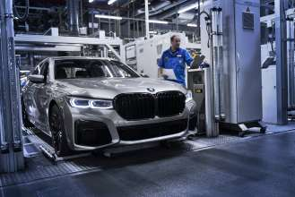 The new BMW 7 Series in the finish and test area of BMW Group Plant Dingolfing. (03/2019)