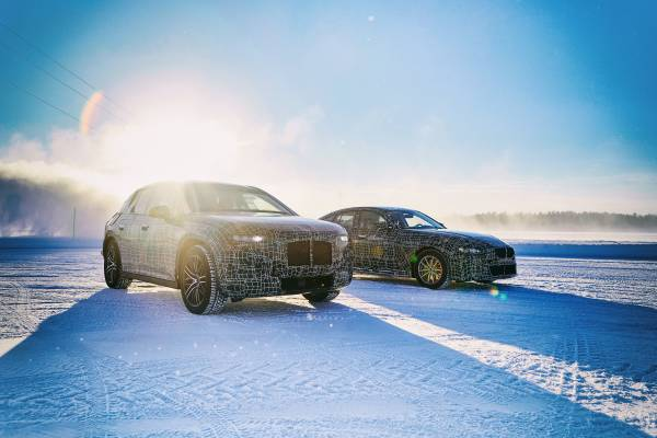 The BMW iNEXT and the BMW i4 undergo winter trial tests (03/2019).