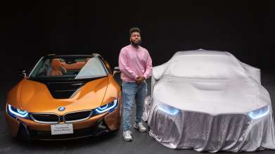 Khalid and the BMW i8 Roadster (03/2019).