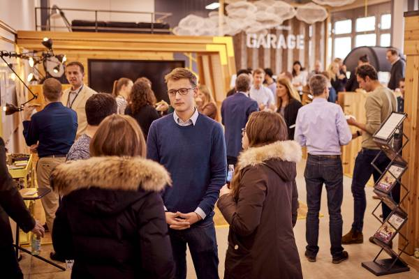 Deep Drive Days in the BMW Startup Garage (March 2019): Startups network with experts from the BMW Group in keynote speeches and workshop sessions.