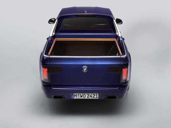 The BMW X7 Pickup (07/2019).