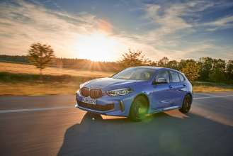 "The all-new BMW 1 Series, BMW M135i xDrive, Misano blue metallic, Rim 19"" Styling 557 M (07/2019)."