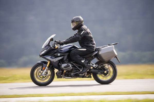 Bmw Motorrad Usa Announces Pricing Features Packages And Options For 2020 Bmw R 1250 R Rs Models