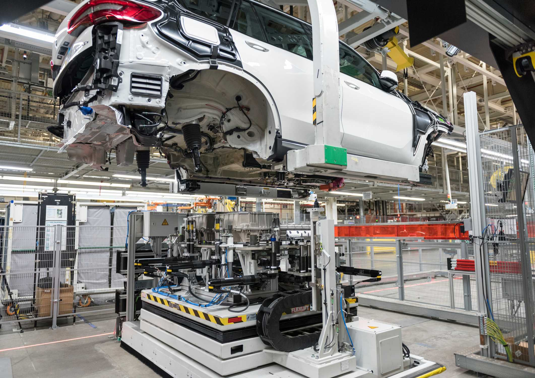 Bmw Group Plant Spartanburg More Than Doubles Capacity For Battery Assembly 2020 Bmw X5 Xdrive45e Plug In Hybrid Electric Vehicle Begins Production In Spartanburg Sc On August 1