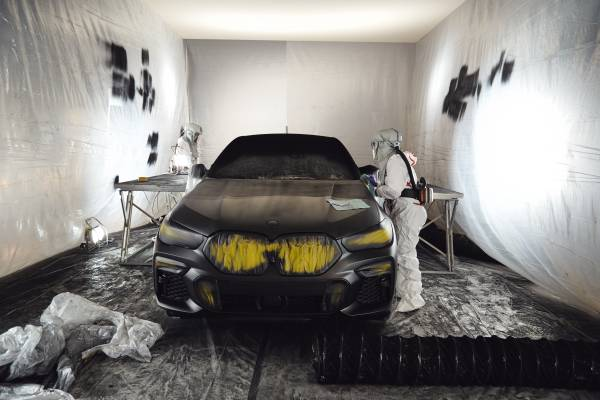 The BMW Vantablack X6 – Making of pictures (08/2019).
