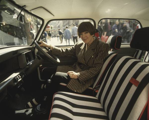 Mary Quant, pictured in her special edition 'Mini Designer', 1988 (08/2019). (Photo by BMW AG – BMW Group Archiv)