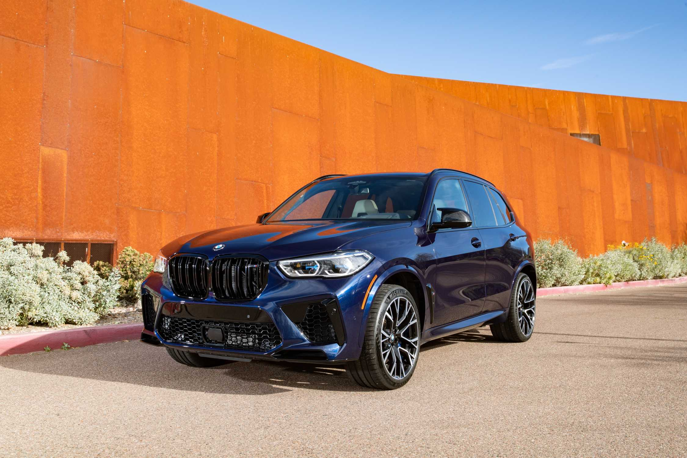 The All New Bmw X5 M Competition In Colour Tanzanit Blue Metallic And 21 22 M Light Alloy Wheels Star Spoke Style 809 M Bicolor Mixed Tyres Phoenix Arizona 02 2020
