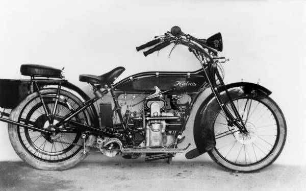 Helios motorcycle with M2 B15 'Bavaria' engine - copyright BMW Group Archive (04/2020)